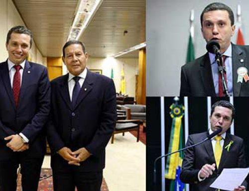 巴西国会议员福斯托·皮纳托是最具影响力的100位议员之一